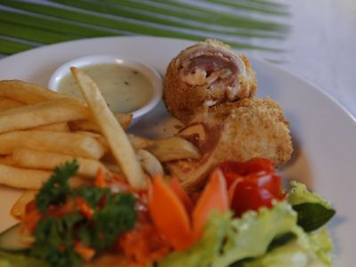 Chicken Cordon Blue (main Course)
